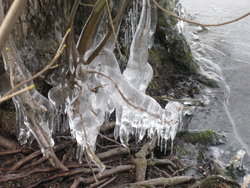A tapering spike of ice