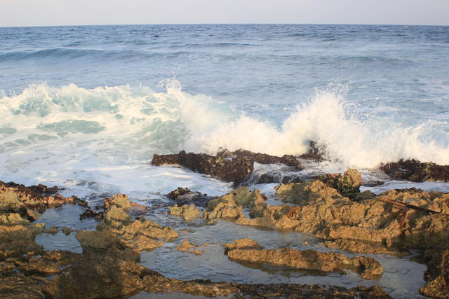 Waves crashing - free image